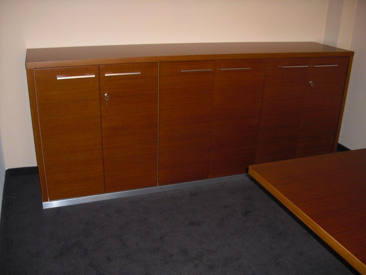 Kancelářský nábytek