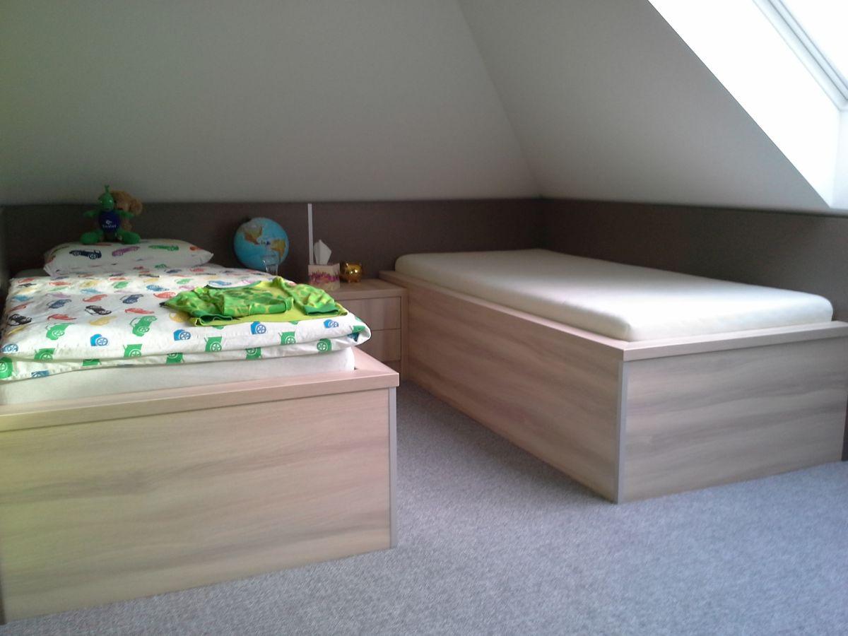 Ložnice, skříně